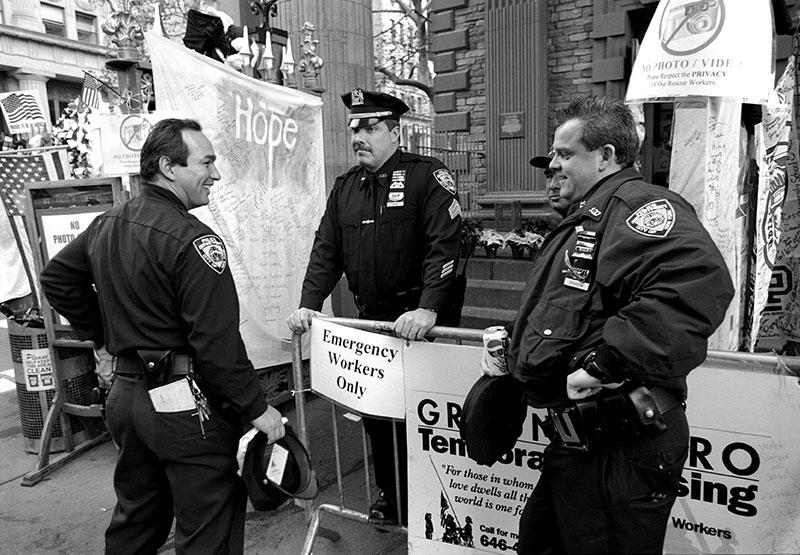 COPS-AT-WTC-MEMORIAL-1